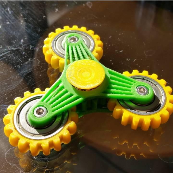 Slim gear spinner