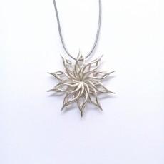 230x230 sunflower pendant 2