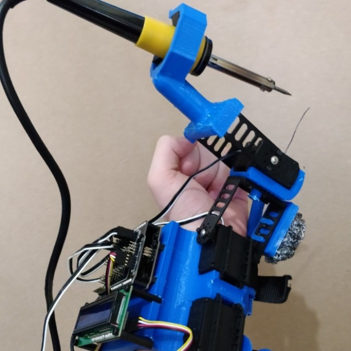 Helping Hands Operator - Automatic Soldering Tool by Yuval Dascalu