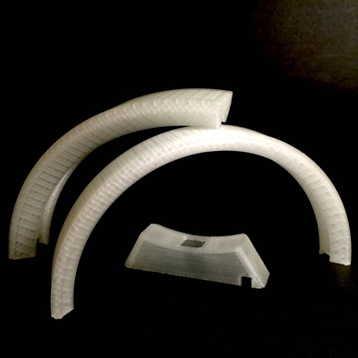 Sliced LED ring lamp in 2 & 4 parts