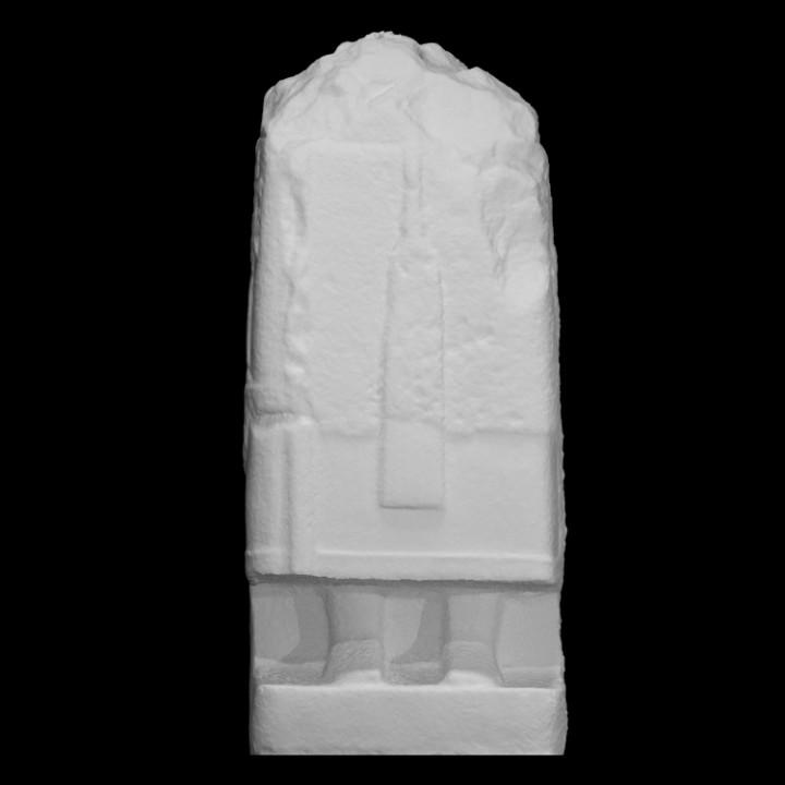 Fragmentary statue with hittite hieroglyphic inscription