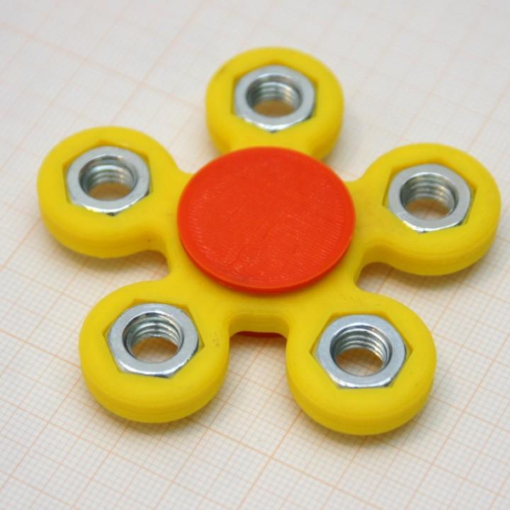 Flower Like Fidget With M8 Nuts
