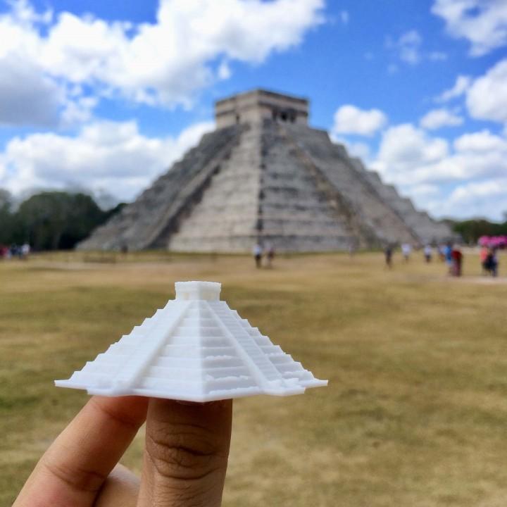 El Castillo, Kukulcan Pyramid - Chichen Itza, Mexico