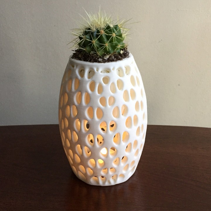 3d Printable Suspended Vase By Andrew Reynolds