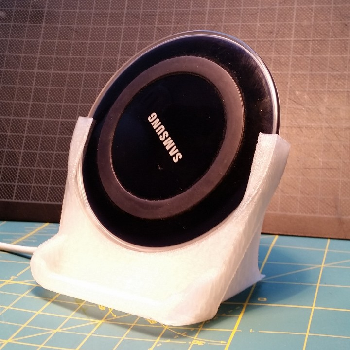 samsung QI charger stand designed for samsung S5