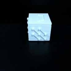 boite simple avec poignee et ouverture simple