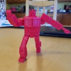 Optimus Prime statue- Transformers