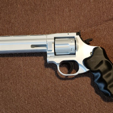 Picture of print of Magnum .357 (Dan Wesson 715) with moving parts