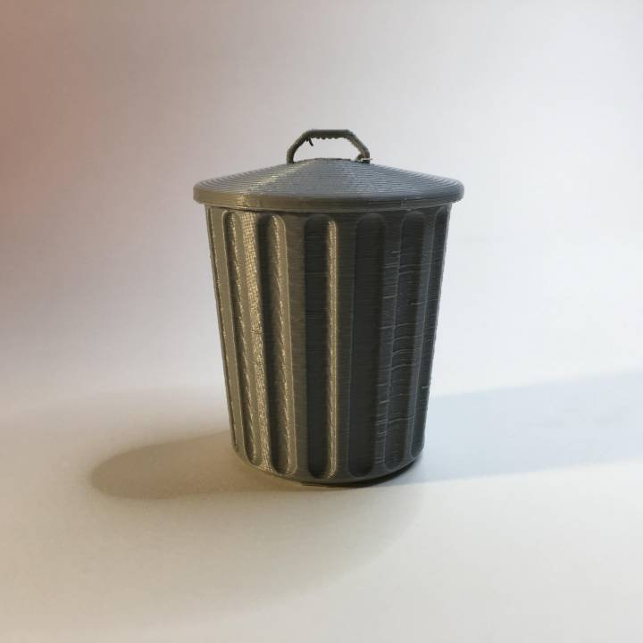 Desktop Trash Can with Lid
