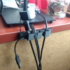 Picture of print of USB charger holder
