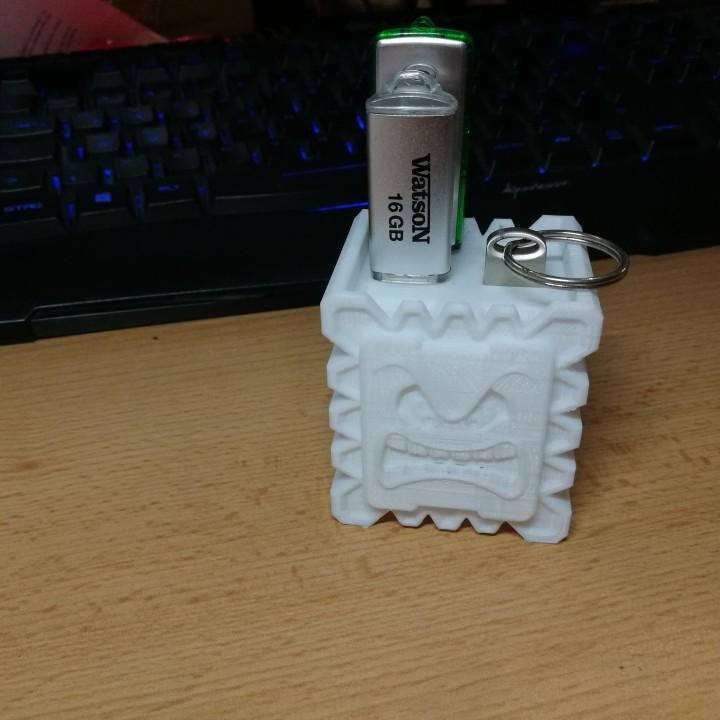 Thwomp USB stick / SD card holder
