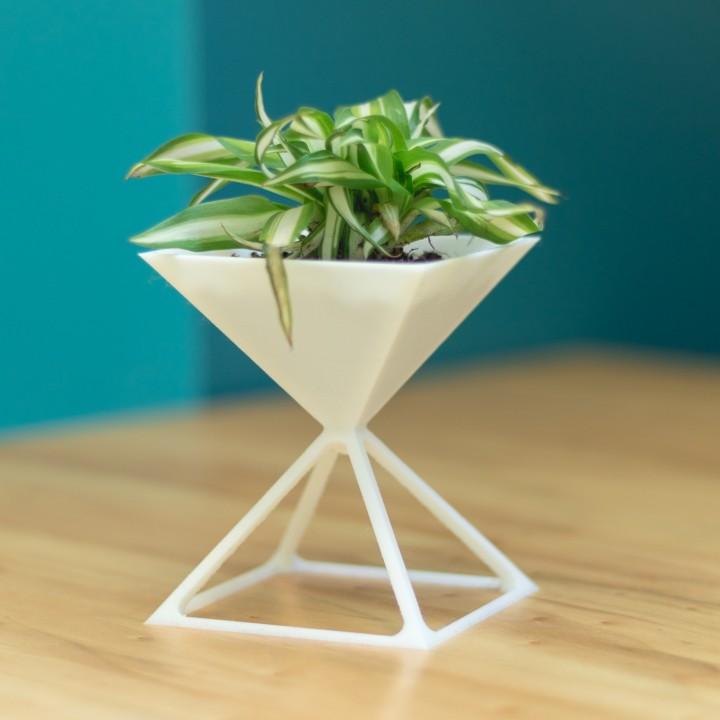 Pyramid - Flower Pot