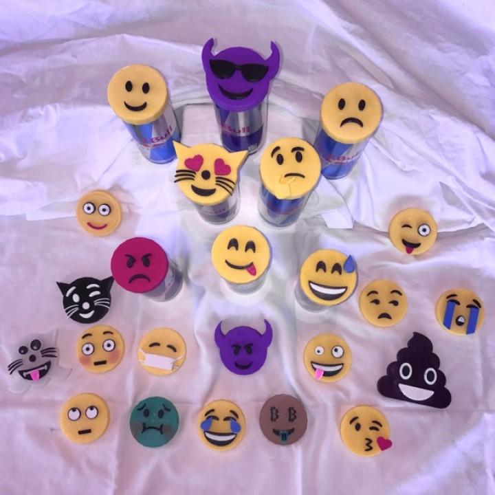 Emoji Caps