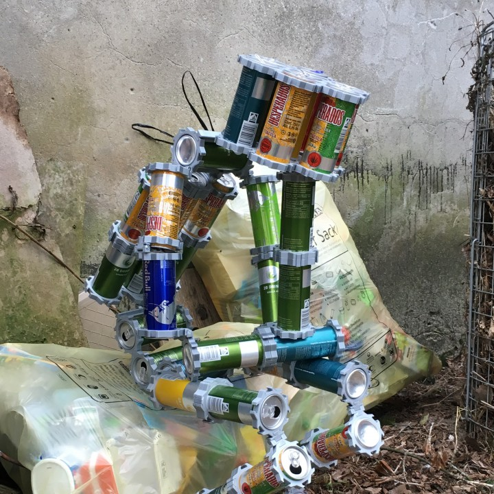 CanBot - Sculptures with 250 cans