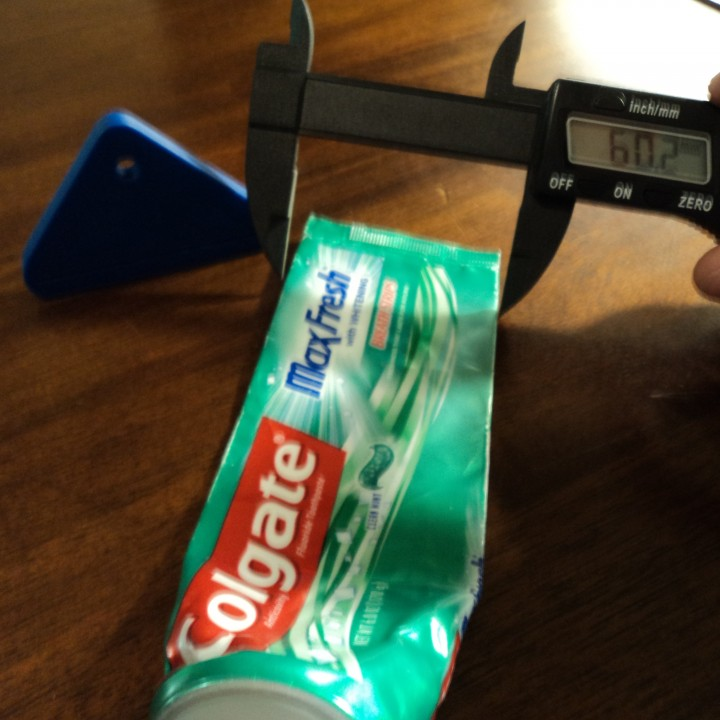toothpaste squeezer/helper
