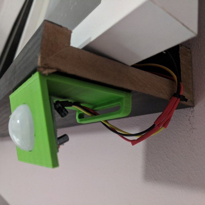 PIR sensor faceplate - Bracket for PIR sensor with wire control.