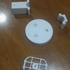 Picture of print of Kinect base with pole holder