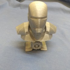 Picture of print of Iron Man bust with Arc Reactor