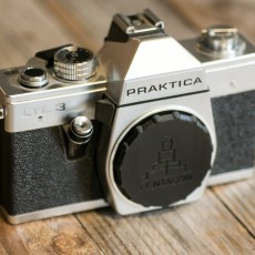 Camera body cap (M42 Lens mount)