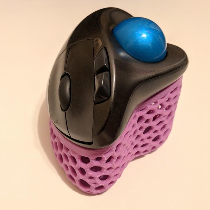 3d Printable Voronoi Ergonomic Logitech M570 Mouse Stand
