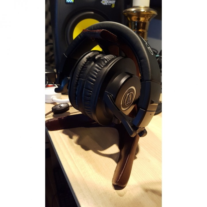 Ergonomic Headphone Stand