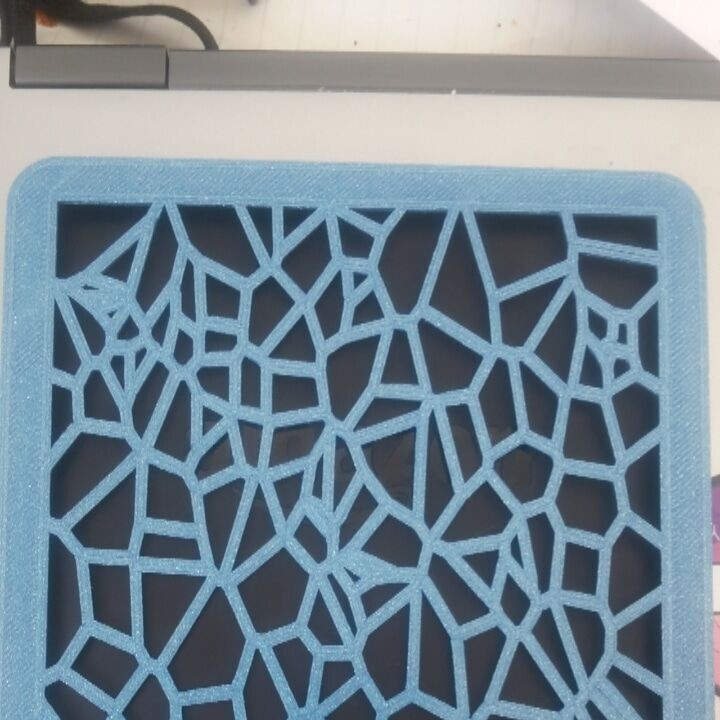 Kindle Case with Voronoi cut-out Pattern