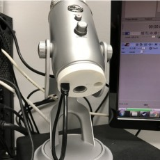 Blue Yeti cable protection
