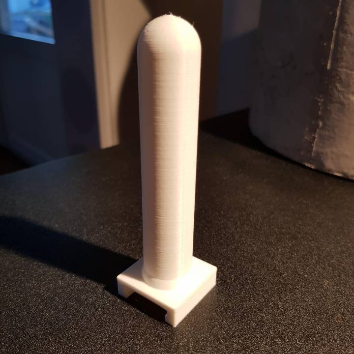 Vertical grip for airsoft