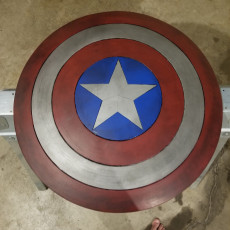 Picture of print of Captain America Shield Esta impresión fue cargada por William Graves III