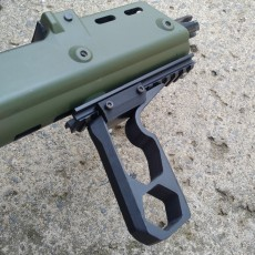 VERTICAL FORWARD GRIP ADU V4 2018