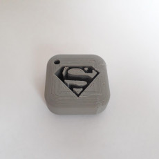 Picture of print of Superman logo keychain