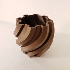 Picture of print of Twisted Hexagon Vase This print has been uploaded by CHAOSMakers