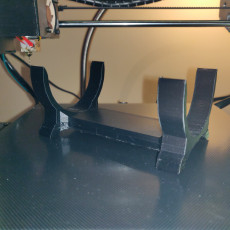 Picture of print of JBL Flip 4 table support