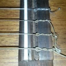 Guitar saddle