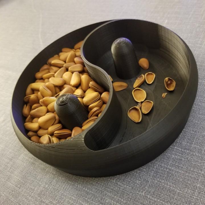 Yin&Yang nut bowl by mattc design
