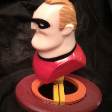 Picture of print of Mr Incredible (BUST ONLY)