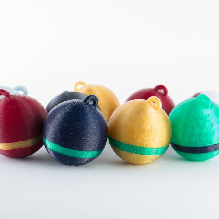 Christmas ball decoration (Multicolor, easy to print, no supports) by zaky20 just now