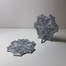 Spinning snowflake - table top