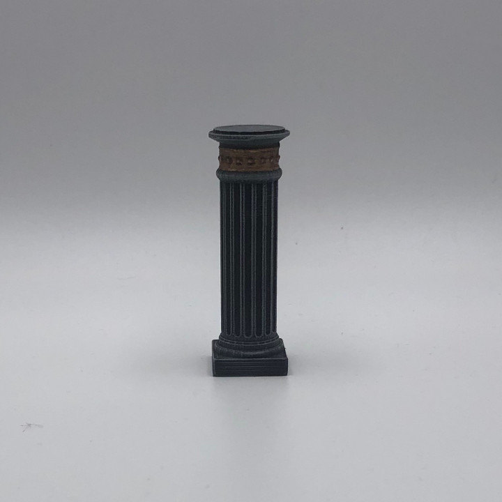 Socket / Pillar