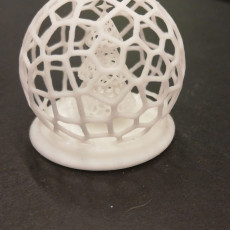 Picture of print of Voronoi Christmas Tree Globe