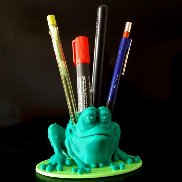 Frog Penholder