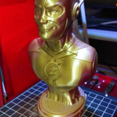 Picture of print of The Flash bust Esta impresión fue cargada por fred chan