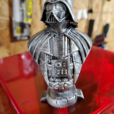 Picture of print of Darth Vader bust 这个打印已上传 Olyn McKinney