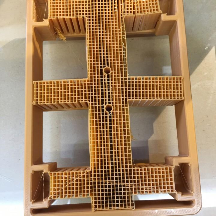 3D Printable Filament Holder Ender 3 by Adi Linden
