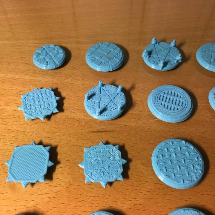 Bases / Platforms for miniatures