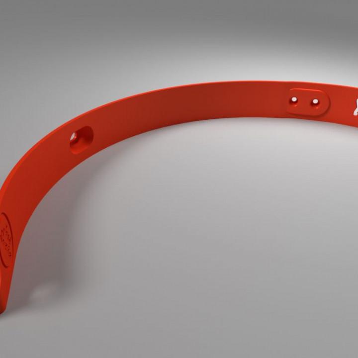 Xiaomi M365 rear mudguard cable cover. Protector del cable trasero.