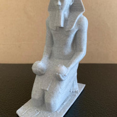 Picture of print of Large Kneeling Statue of Hatshepsut