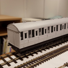 LNER quint-art carriages (1:76 scale)