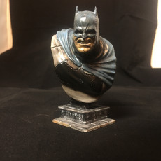 Picture of print of The Dark Knight bust Esta impresión fue cargada por Mark Brown