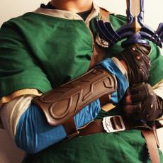 Legendary Fantasy Costume Bracer